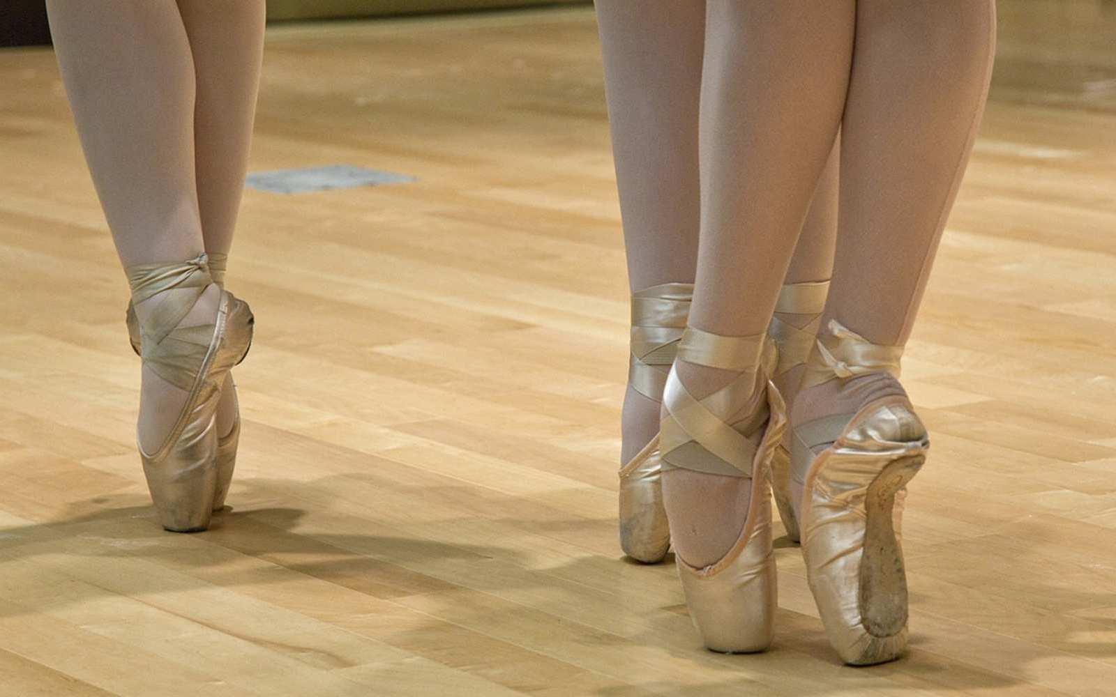 Dein Kind wollte schon immer einmal einen Tanzkurs besuchen? Ferienworkshops sind perfekt zum Hineinschnuppern. Und wer weiß, vielleicht schlummert ein echtes Tanztalent in deinem Nachwuchs.